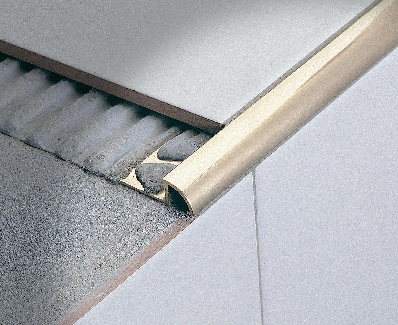 Profilo di finitura in ottone per piastrelle angolare tondo