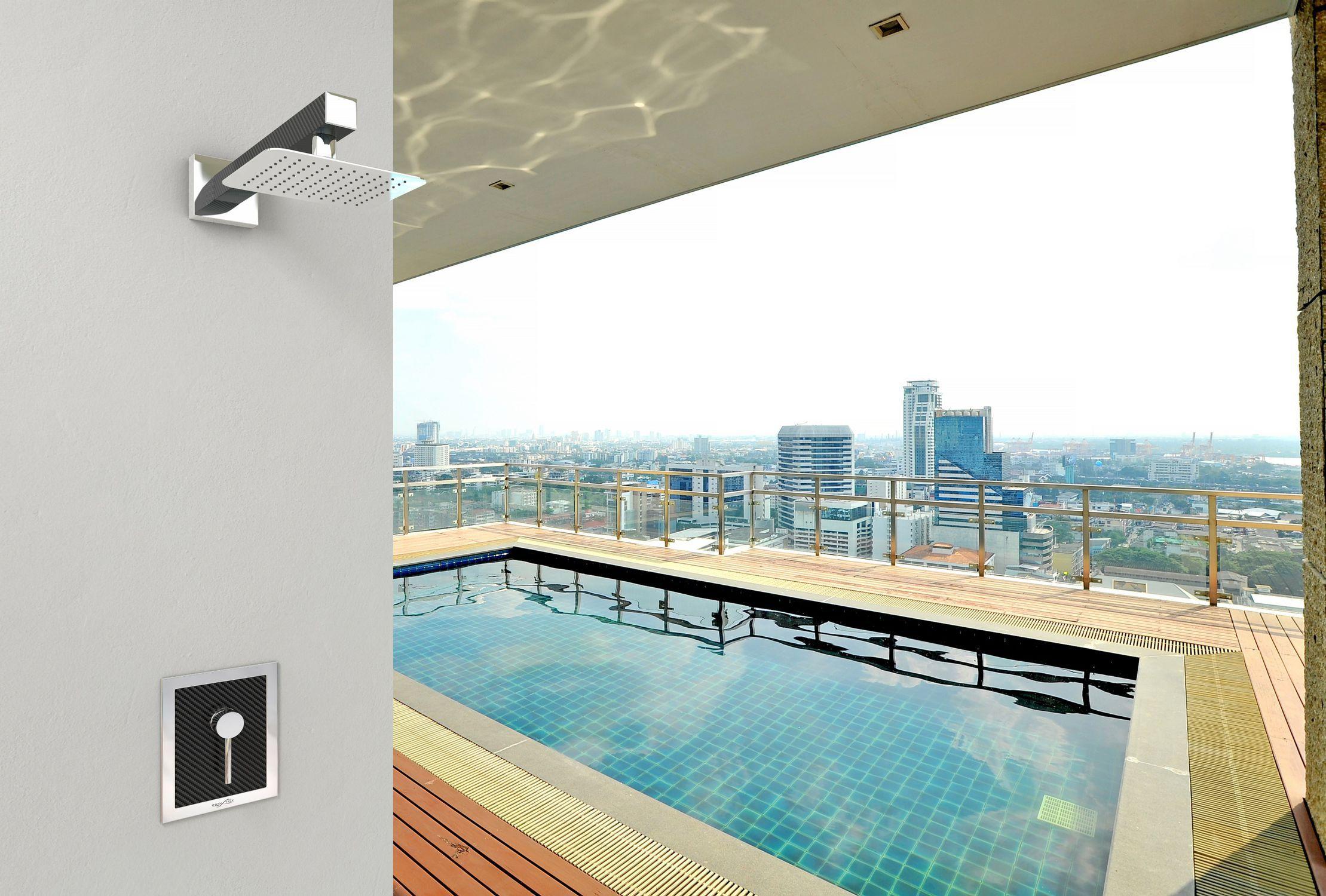Doccia da esterno in fibra di carbonio doccia sanremo q 09008 q