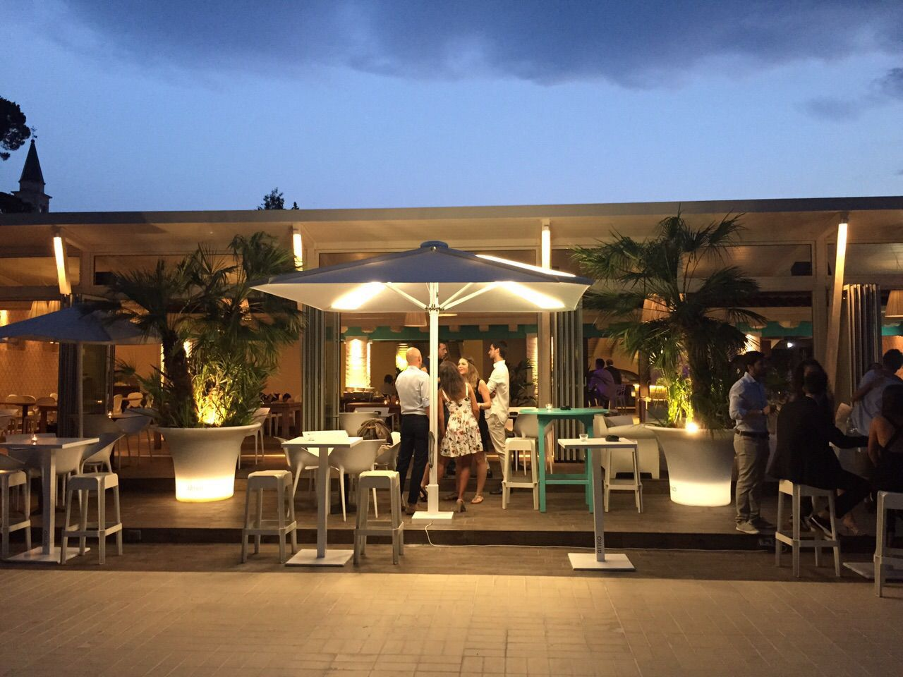 Ombrellone per bar per hotel in alluminio con illuminazione