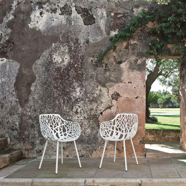 Sedie Da Giardino In Ghisa.Sedia Da Giardino Moderna Con Braccioli Impilabile In Ghisa Di