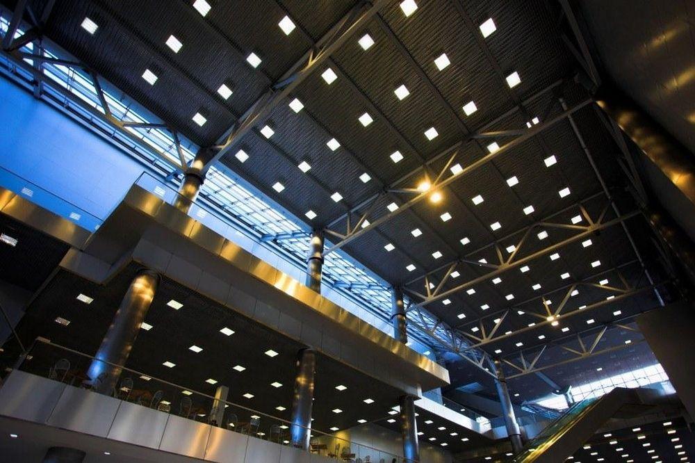 Plafoniera Quadrata Da Esterno Led : Plafoniera moderna quadrata in alluminio led