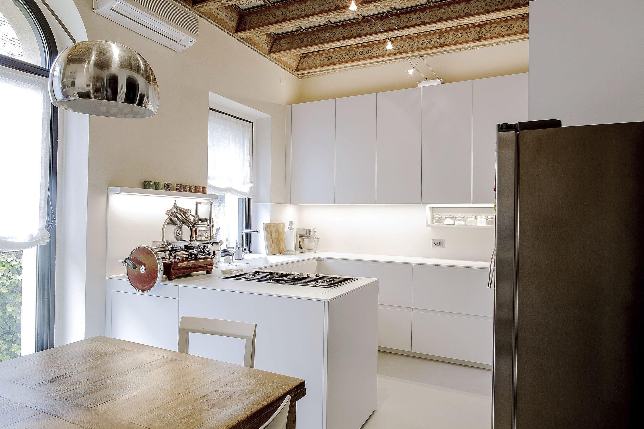 Cucina moderna / in legno laccato / in Corian® / a L - 20160302 ...