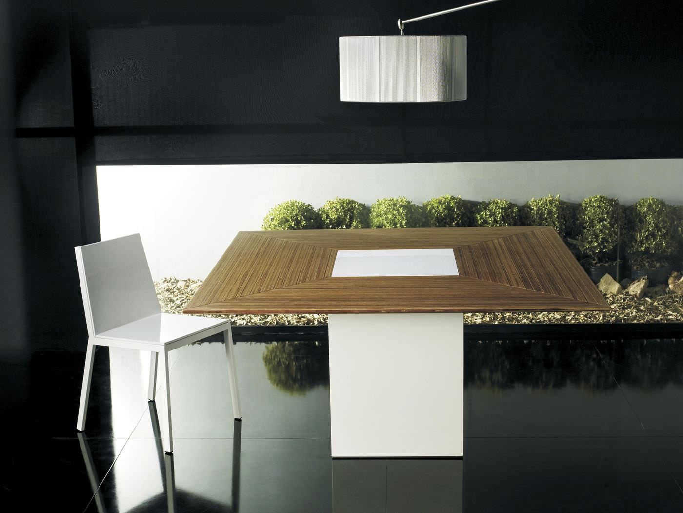 Tavolo da pranzo moderno in legno quadrato fitzroy modloft