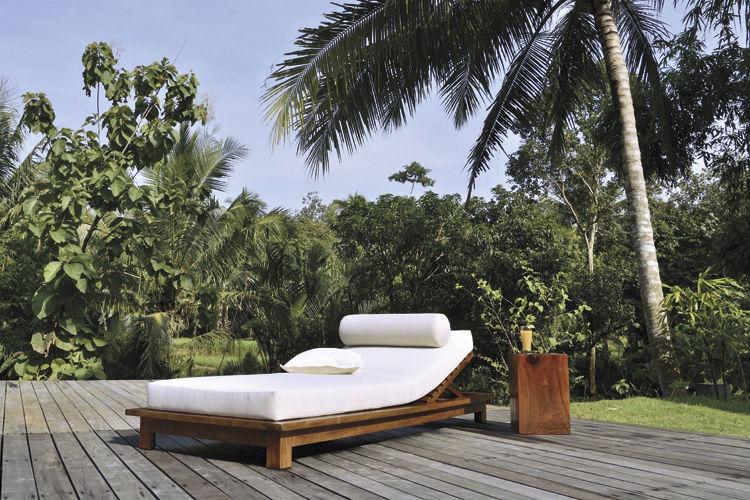 Sgabello moderno in legno massiccio da giardino suar by