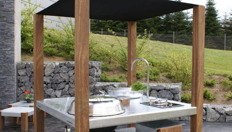Cucina moderna / in legno / da esterno / senza maniglie - SAVRA ...