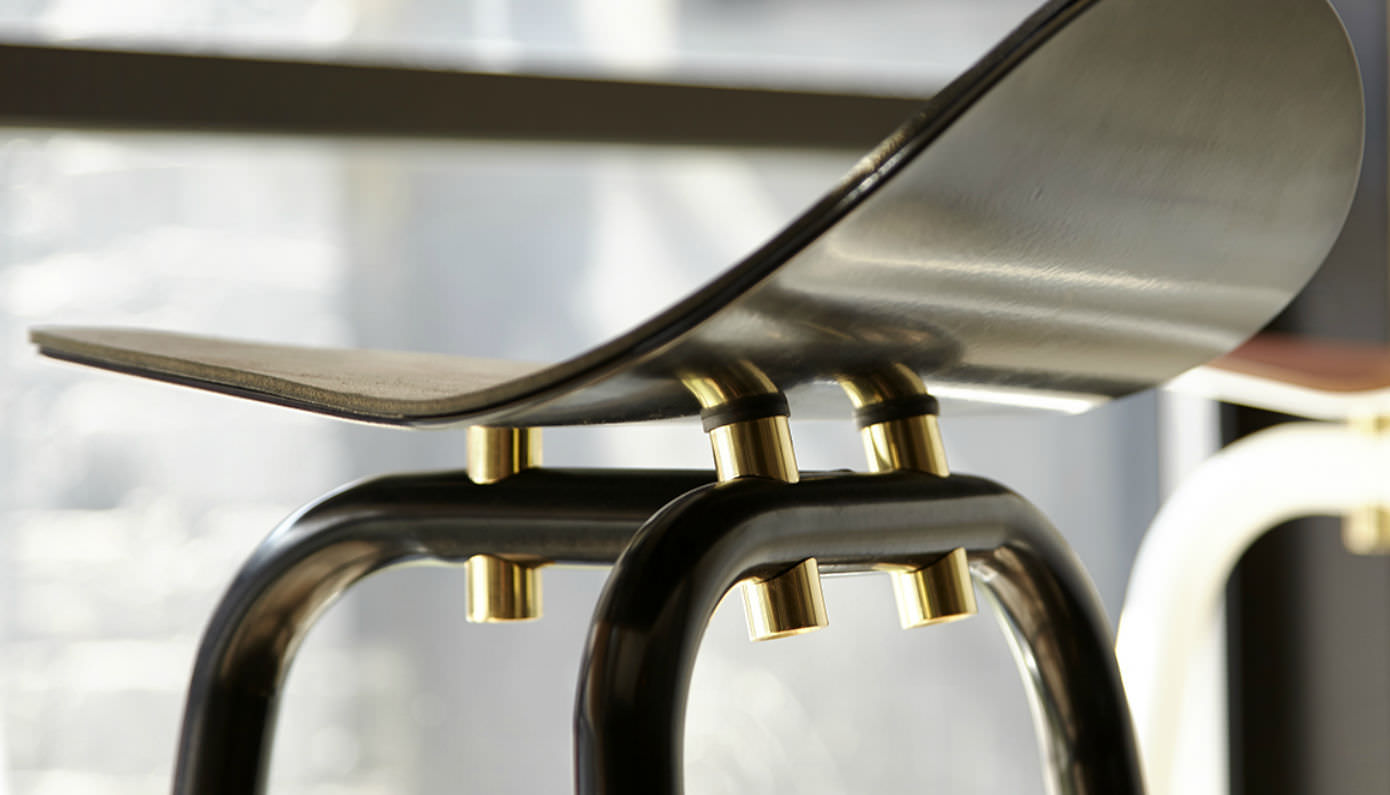Sgabello da bar moderno in pelle in acciaio in ottone