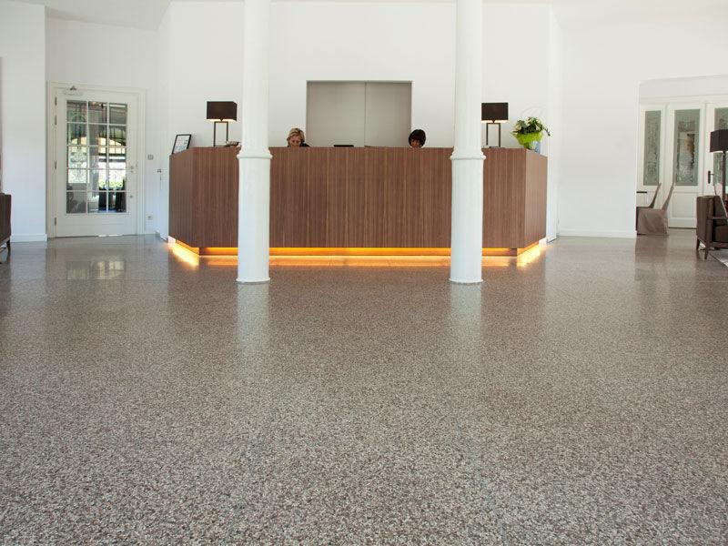 Piastrella da interno da esterno per pavimento in rivestimenti
