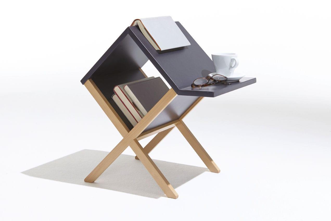 Tavolo d appoggio moderno in legno con portariviste mueller