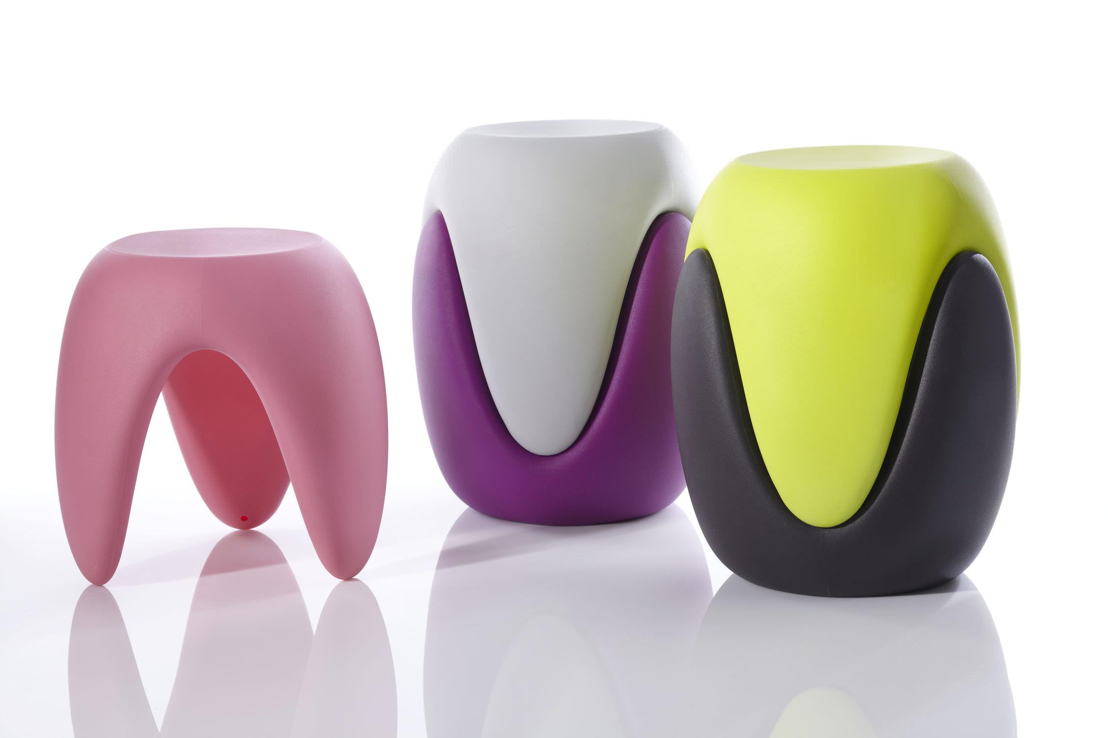 Sgabello design organico in plastica impilabile di karim