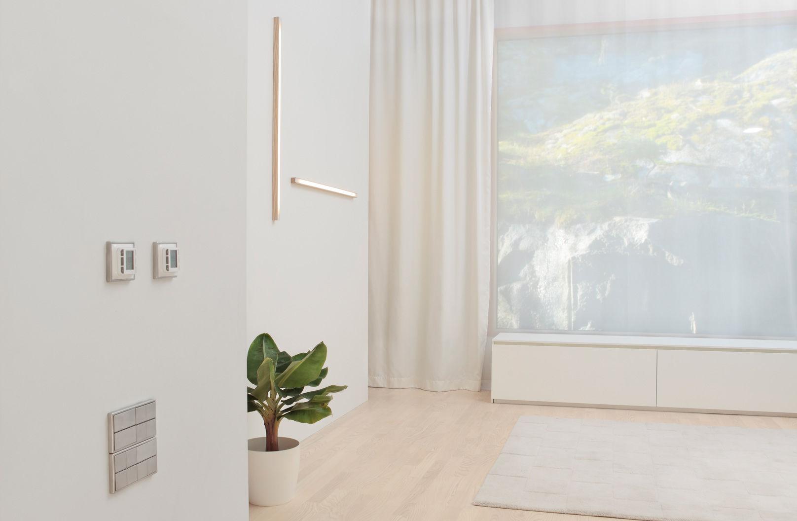 Applique moderna in legno led lineare led tunto