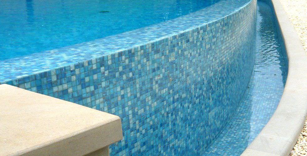 Mosaico da esterno per piscina da pavimento in pietra