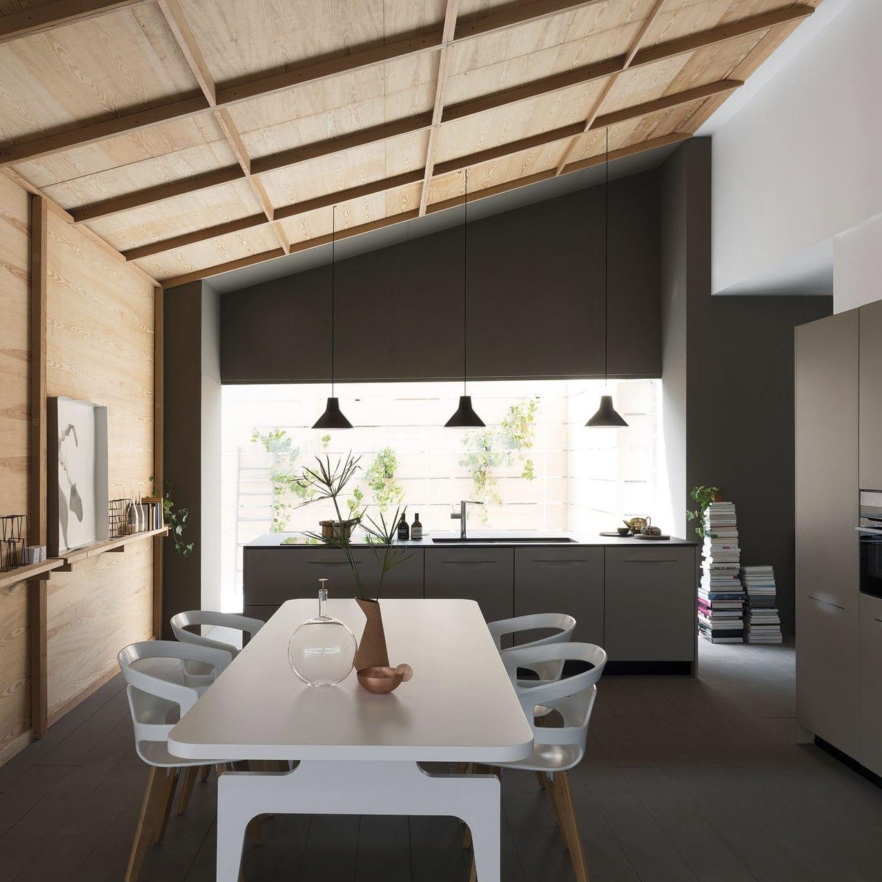 Cucina moderna / in legno / con isola / laccata - PAMPA - SCHIFFINI