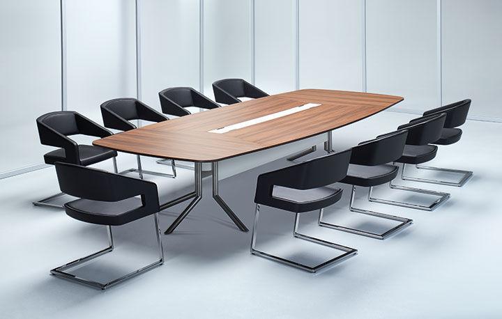 Tavolo da riunione moderno / impiallacciato in legno / con presa di ...