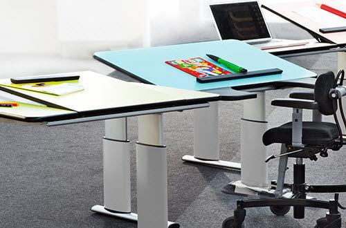 Scrivania Da Disegno : Tavolo da disegno moderno in laminato in acciaio in