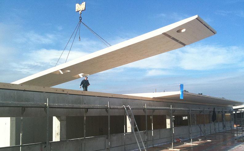 Pannello strutturale in legno lamellare / per tetto / per solaio ...
