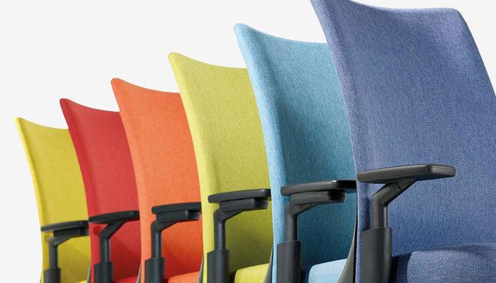 Sedie A Rotelle Schienale Alto : Sedia da ufficio moderna con schienale alto girevole con