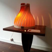 Lampada da tavolo / design originale / in legno / da interno