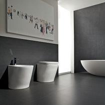 Piastrella da bagno / per pavimento / in gres porcellanato / a tinta unita