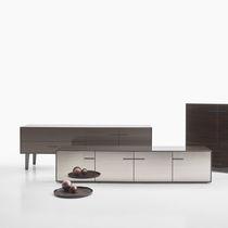 Credenza moderna / in MDF laccato / impiallacciata in legno / di Antonio Citterio