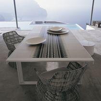 Tavolo moderno / in metallo / in gres porcellanato / rettangolare