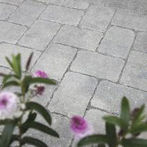 Pavimentazione in calcestruzzo / in pietra ricostituita / carrabile / permeabile