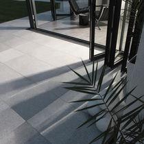 Piastrella da esterno / da pavimento / in granito / a rilievo