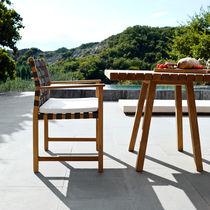 Sedia moderna / con braccioli / imbottita / in teak