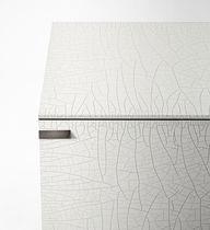Credenza moderna / con rivestimento in vetro temperato / in metallo laccato / a vetrina