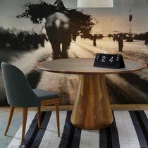 Tavolo moderno / in noce / rotondo