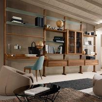 Scaffale pavimento-soffitto / moderno / in legno / in vetro