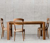 Sedia moderna / imbottita / in legno / in tessuto