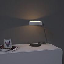 Lampada da tavolo / moderna / in ferro / in calcestruzzo