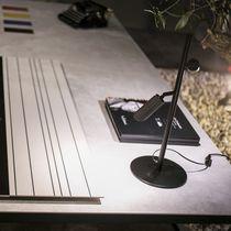 Lampada da tavolo / moderna / in metallo / in calcestruzzo