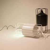 Lampada da tavolo / moderna / in alluminio / in acciaio