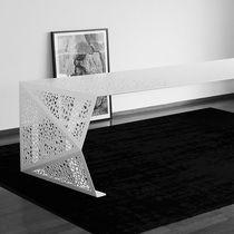 Tavolo da conferenza design originale / in acciaio / rettangolare / su misura