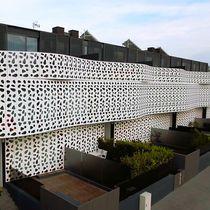 Rivestimento di facciata alluminio / perforato / laccato / in pannelli