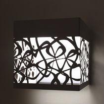 Applique design originale / in metallo / LED / quadrata