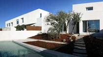 Casa individuale / moderna / in calcestruzzo / a due piani