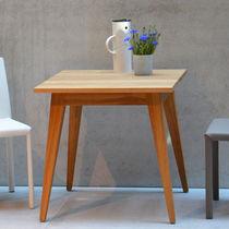 Tavolo d'appoggio moderno / impiallacciato in legno / quadrato