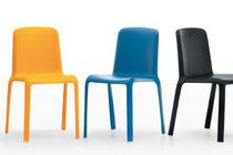 Sedia moderna / impilabile / in polipropilene