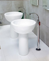 Miscelatore per lavabo / a pavimento / in metallo cromato / in ottone