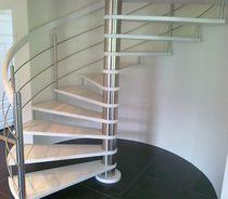 Scala a chiocciola / con gradini in quercia / con struttura in acciaio inossidabile / senza alzata