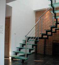 Scala a U / con gradini in vetro / con struttura in acciaio / senza alzata