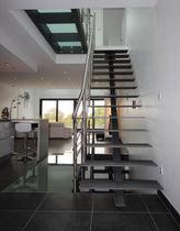 Scala dritta / con gradini in metallo / con struttura in metallo / senza alzata