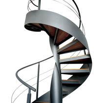 Scala a chiocciola / con gradini in legno / con gradini in vetro / con struttura in metallo