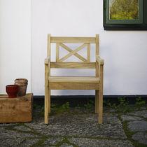 Sedia da giardino moderna / con braccioli / in noce