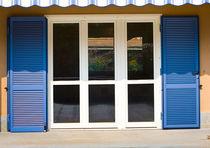Persiane battenti / in acciaio / per finestre / acustiche