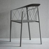 Sedia da giardino moderna / con braccioli / in acciaio con rivestimento a polvere