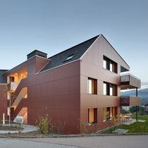 Rivestimento di facciata per facciata ventilata / in fibra di legno / liscio / in pannelli