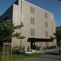 Rivestimento di facciata perforato / in fibra di legno / in pannelli / decorativo